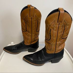 Women's western Justin leather boots. Size 8.5